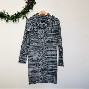Romeo + Juliet Couture Cowl Neck Sweater Dress M